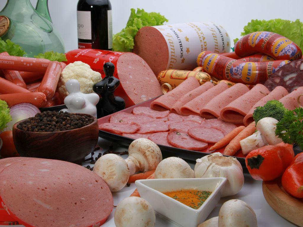 Embutidos carnes distribuidores embutidos la familia for Productos antihumedad para la casa